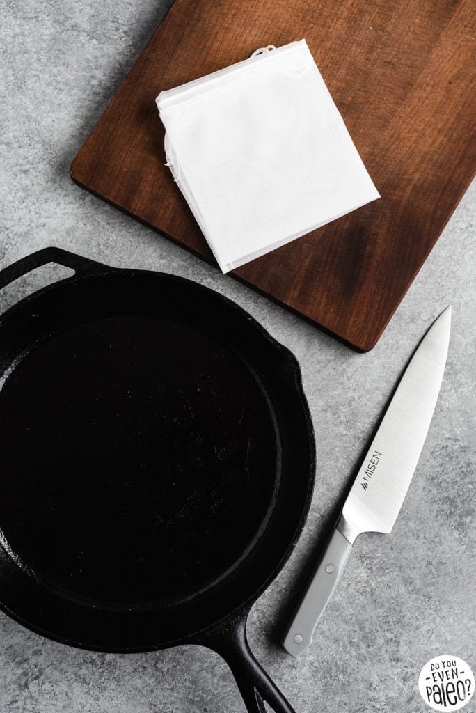 2018 Gift Guide - Cutting board, cast iron skillet, misen chef's knife