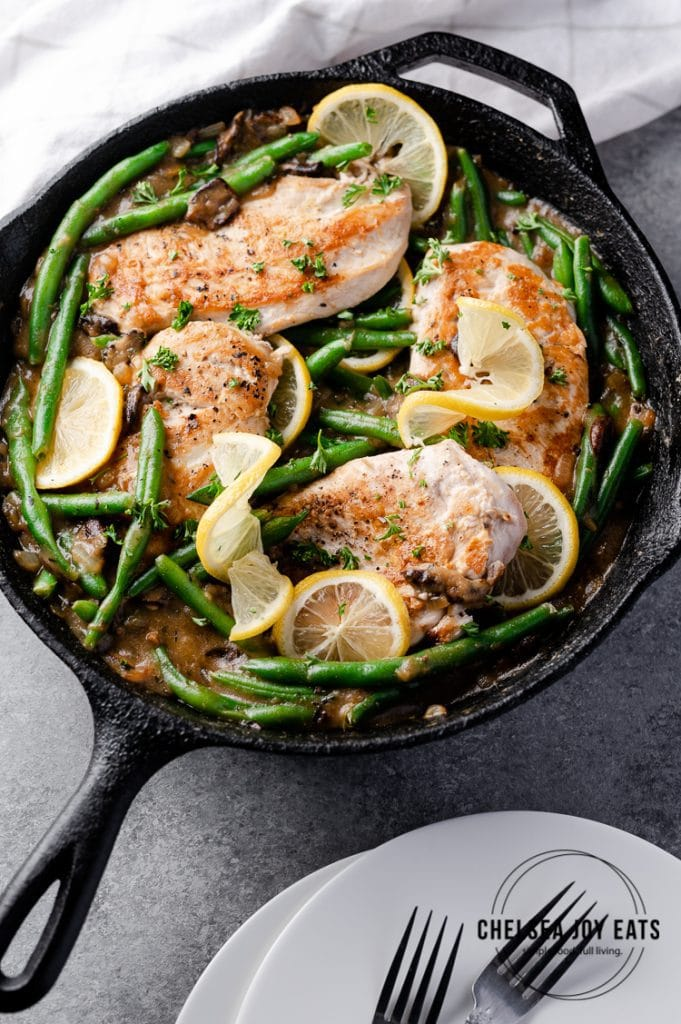 Whole30 and low carb skillet chicken with green beans and mushrooms